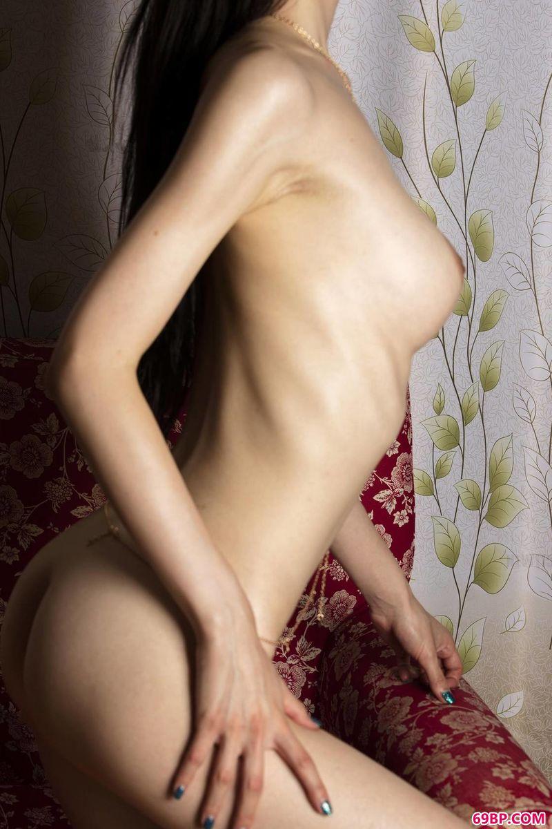 网红美模VIVAN的人体写真